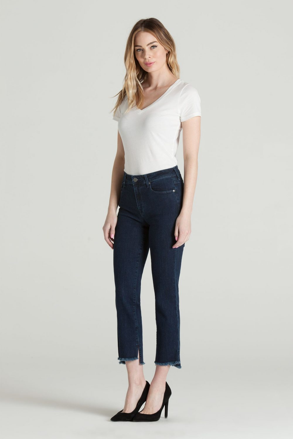 CROPPED STRAIGHT IN VERONICA